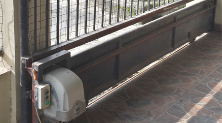 gambaran dari automatic sliding door jakarta indonesia